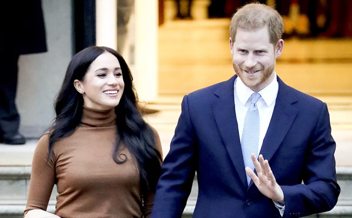 #Megxit: Internet Hails Meghan Markle & Prince Harry's Exit From The Royal Family! Queen Elizabeth II Disappointed About Being Unaware Of It