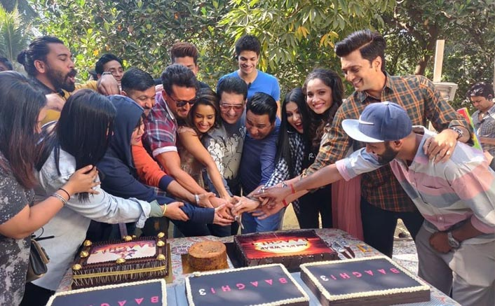 Baaghi 3: Shraddha Kapoor Along With Tiger Shroff, Riteish Deshmukh & Team Celebrate The Film's Wrap Up!