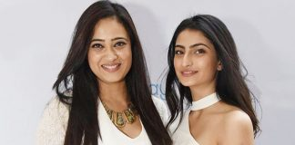 Shweta Tiwari's Advice To Daughter Palak Tiwari On Online Dating Proves She Is A Cool Mom!