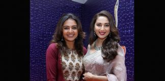Asuran Actress Manju Warrier's Fan Girl Moment With 'Dhak Dhak' Girl Madhuri Dixit