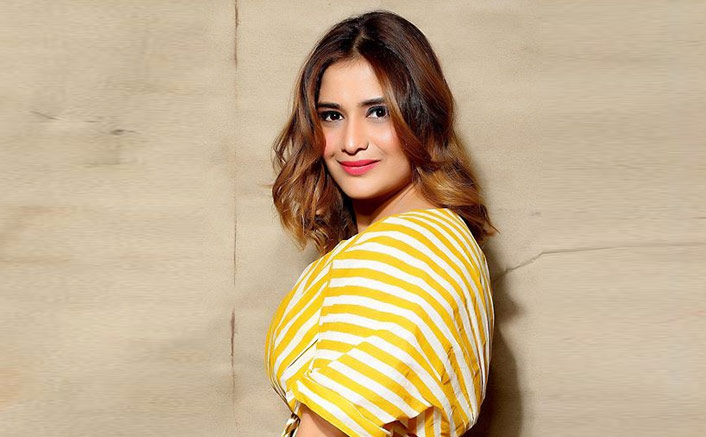 Bigg Boss 13: Arti Singh Feels Overwhelmed As People Compliment Her For 'Playing The Game With So Much Dignity'