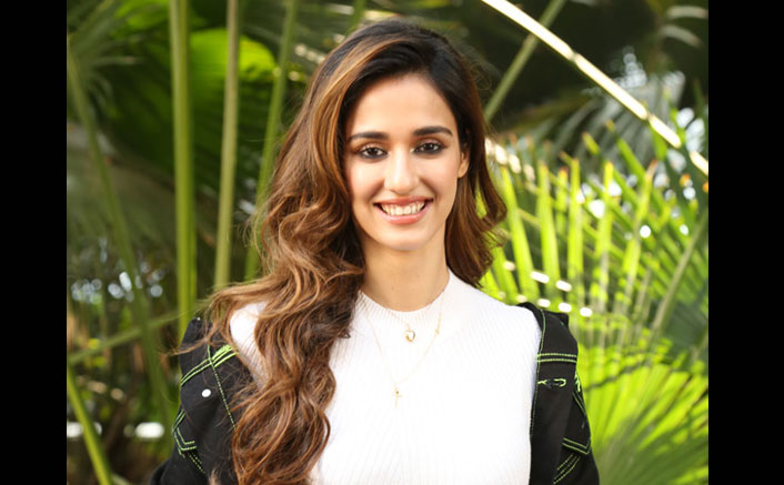 Malang: Disha Patani Witnesses Fan Frenzy As She Visits A Cinema Hall