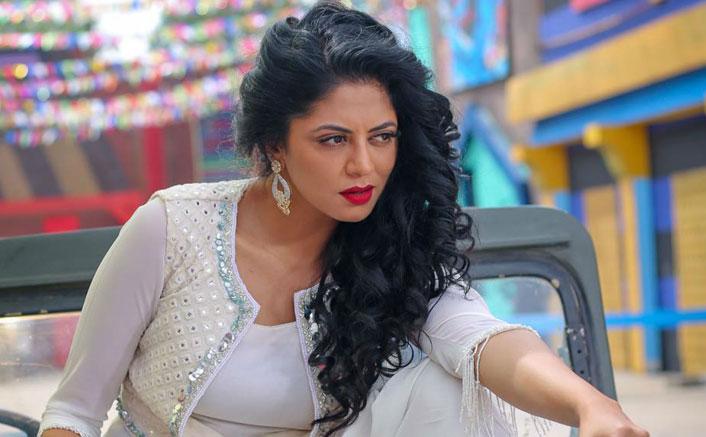 "Kavita Kaushik Abuses A Troll, ""Samjha Ch**tiye?"" Over Demeaning Remarks; Receives An Ugly Threat"