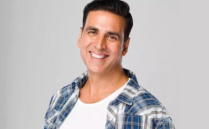 Akshay Kumar Donates 1000 Wrist Bands To The Mumbai Police To Help Them Detect COVID-19 Symptoms