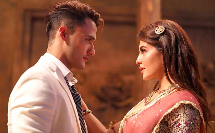 Mere Angne Mein: Jacqueline Fernandez Is Elated As Her Song With Asim Riaz Crosses 30 Million Views