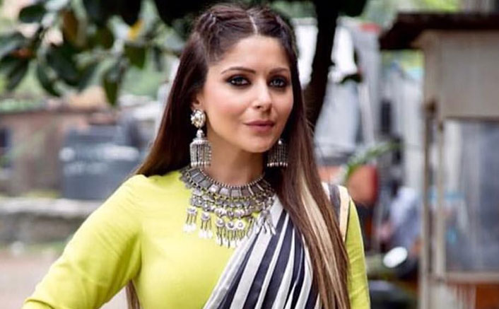 "Kanika Kapoor's Family: ""Doctors Asked Kanika To Change Clothes Behind A Curtain"""