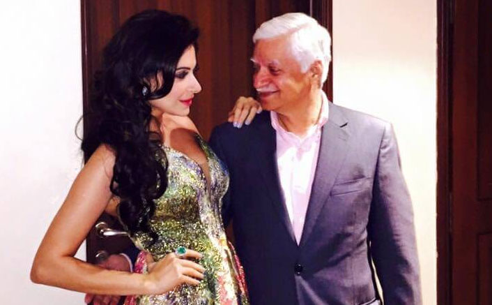 Kanika Kapoor's Father Claims Doctor Reported 'Mild Coronavirus' With Quarantine Of Only 5-6 Days!