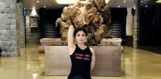 Over 3 lac fans practiced Yoga with Shilpa Shetty via digital media during Janta Curfew