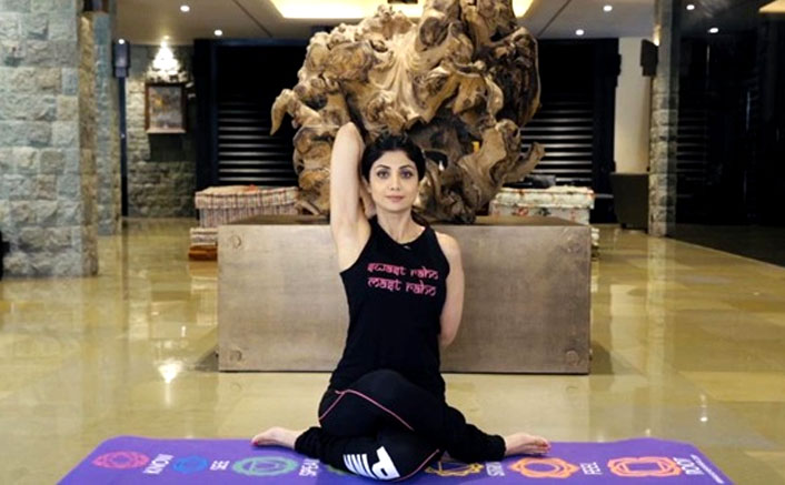 Shilpa Shetty Attracts Over 3 Lac Fans During Janata Curfew To Do Digital Yoga