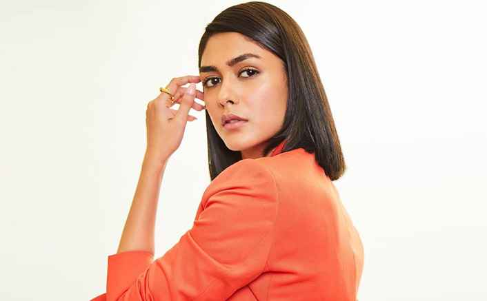 Post Jersey, Mrunal Thakur Signs In Yet Another Hindi Remake Of A South Film