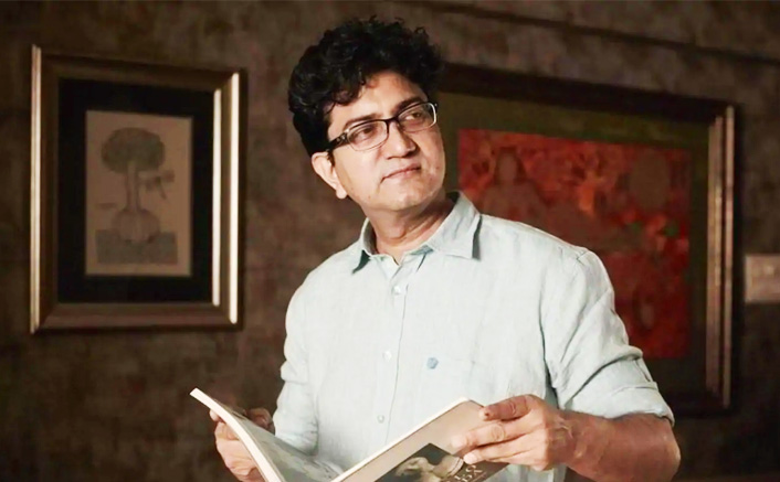 Prasoon Joshi Pens An Eye-Opening Poem In The Wake Of COVID-19 Requesting People To Stay Home