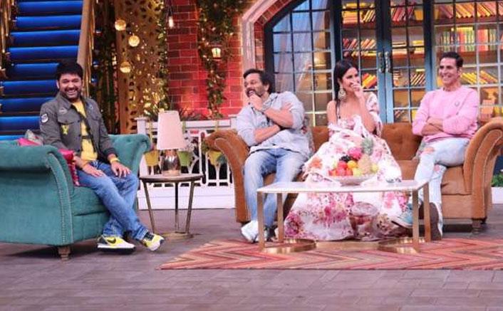 """The Kapil Sharma Show: Kapil Ignores Akshay Kumar & Rohit Shetty Because """"Ladki Ka Chakkar, Babu Bhaiya"""""""