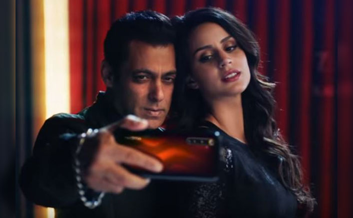 The wait is finally over, here is the first screen presence of Larissa Bonesi and Salman Khan's Chemistry