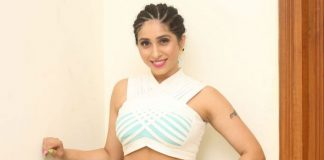 "Singer Neha Bhasin Recalls Scary Experiences Of Past: ""I've Been Taken Off Stages For My Costumes..."""