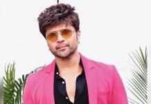 Himesh Reshammiya focusses on new songs, scripts during lockdown