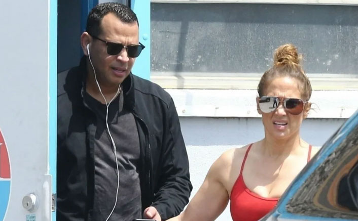 Jennifer Lopez & Alex Rodriguez STILL Gym Together Despite It Shuts Down For Public