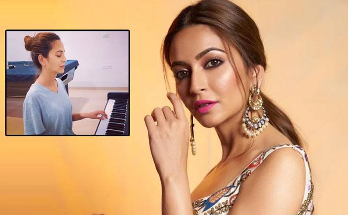 Kriti Kharbanda's 'Bella Ciao' On piano With Eyes Shut Is A MUST WATCH For Money Heist Fans!