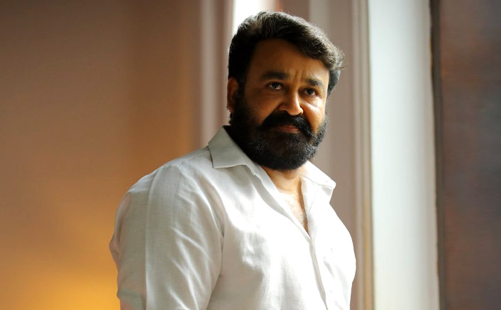 Mohanlal interacts with health workers, sings for them