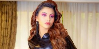 Urvashi Rautela in lacy corset is 'a magnetic being of frequency'