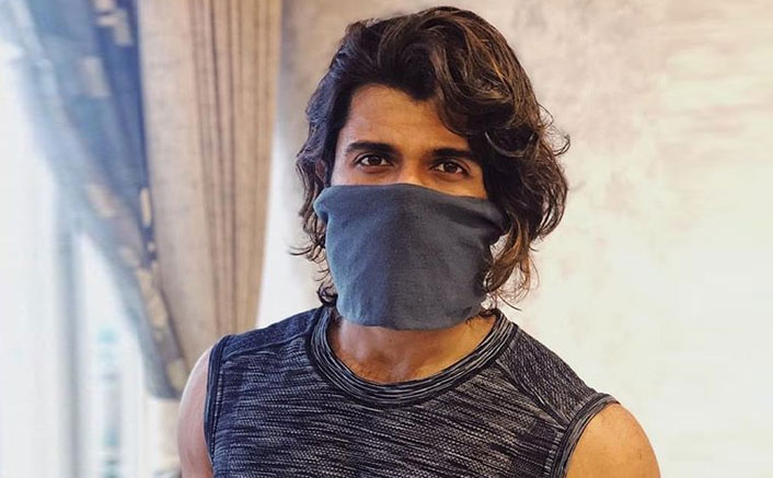 Vijay Deverakonda Asks His Fans NOT To Buy Masks During The Current Crisis & Provides Other Alternatives