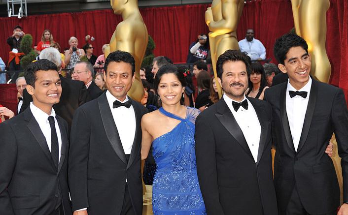 When Irrfan Khan & Team's Slumdog Millionaire Won Oscar, Making It The Proud 'Mo'mento For Indians!