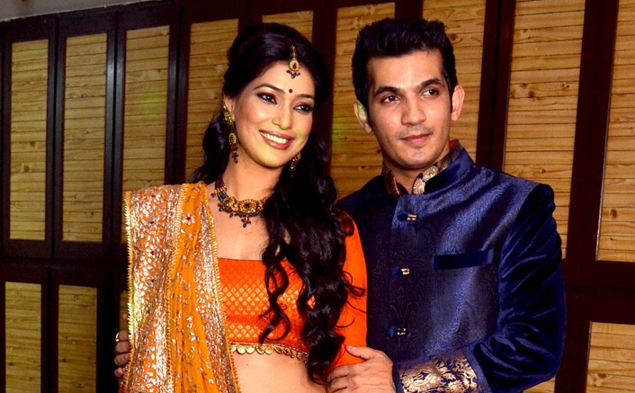 Arjun Bijlani & Neha Swami Celebrate 7th Marriage Anniversary; Hina Khan & Others Congratulates