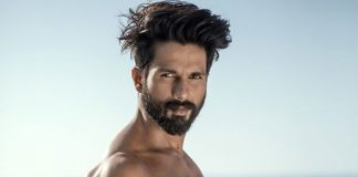 Shahid Kapoor's Female Fans Drool Over His Throwback Shirtless Picture; Check It Out