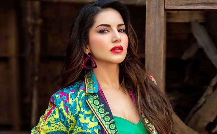 Happy Birthday Sunny Leone: From Nailing The Uncomfortable Interview To Giving A Befitting Reply To Rakhi Sawant, 5 Times She Ruled The Social Media