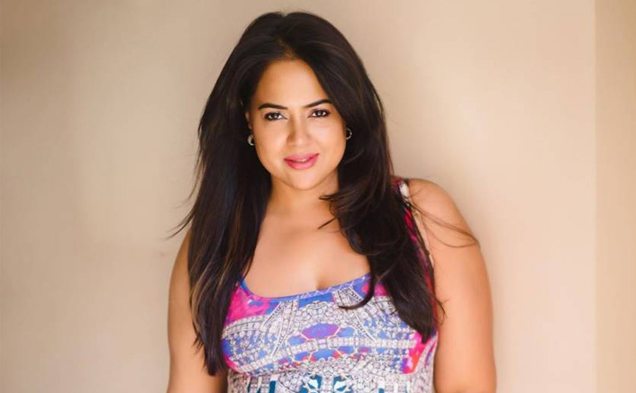 """Sameera Reddy's SHOCKING Revelation: """"People Ask Me When Will I Become Skinny & S*xy Again"""""""