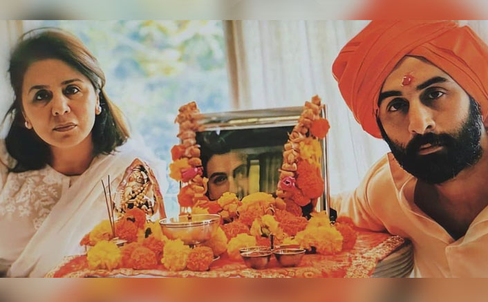 Ranbir Kapoor & Neetu Kapoor Conduct Prayer Meet For Late Actor Rishi Kapoor, See Pic