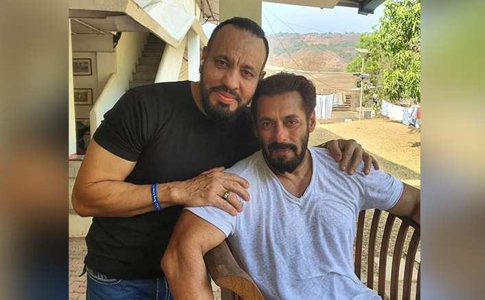 """Salman Khan's Bodyguard Shera Poses For A Selfie With Actor: """"My EID Is Never Complete Without My Maalik"""""""