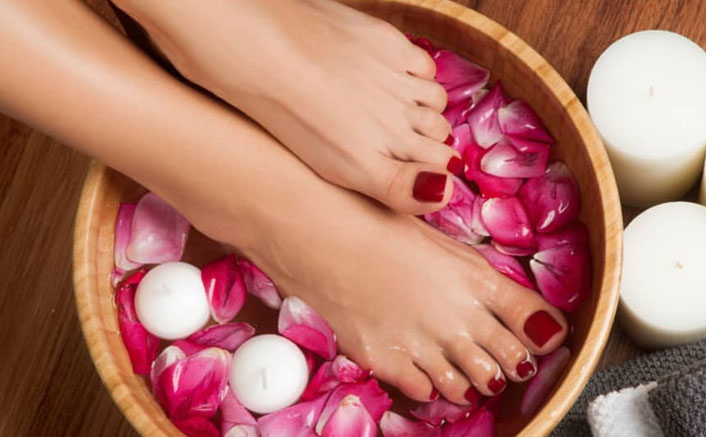 Stuck At Home With No Pedicure Amid The Lockdown? Here's A 'Ghar Ka Nuska' That Will Give You Beautiful Feet & Worth ZERO Bucks
