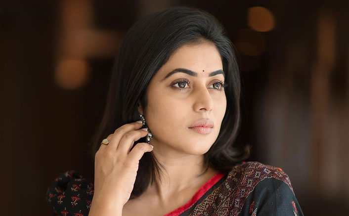 South Indian Actress Shamna Kasim Becomes A Victim Of Blackmailing, Police Arrests 4