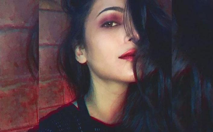 Shruti Haasan Ticks All The Boxes On Her 'Weirdo Checklist' Making Herself Weirdly HOT!