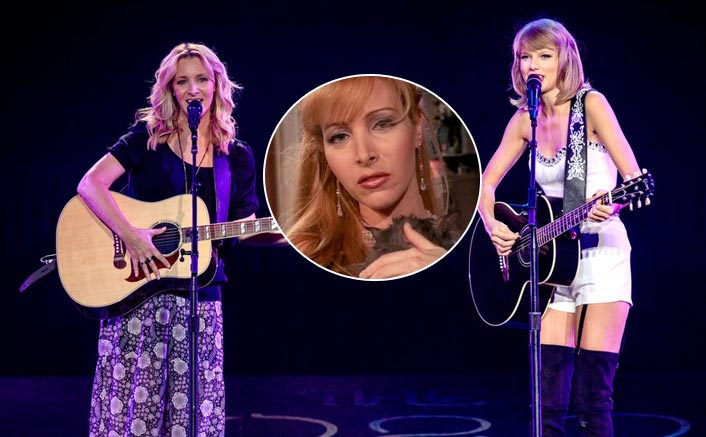 #ThrowbackThursday: When FRIENDS' 'Phoebe' Lisa Kudrow Performed Smelly Cat With Taylor Swift & They Rocked The Stage Together!