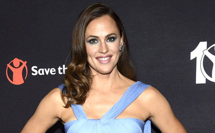 Want Flawless Skin Like Jennifer Garner? Here's How You Can Achieve It