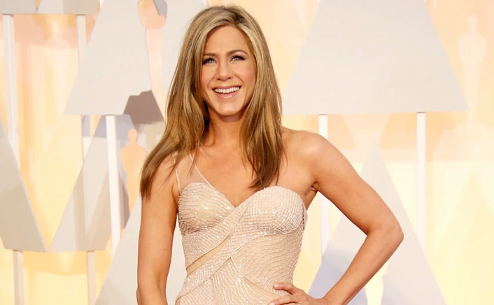 Want A Goddess Skin Like Jennifer Aniston? Here's Her Super-Easy Beauty Regime