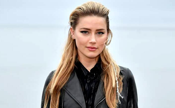 """When Aquaman Actress Amber Heard Came Out As Bisexual, Said """"I've Lived Through Some Real Hell"""""""