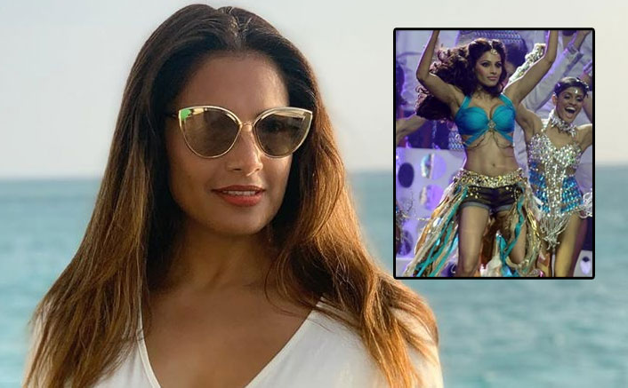 Bipasha Basu Shares A Stunning Throwback Picture Performing On Stage & We Miss Watching Her Groove Too!