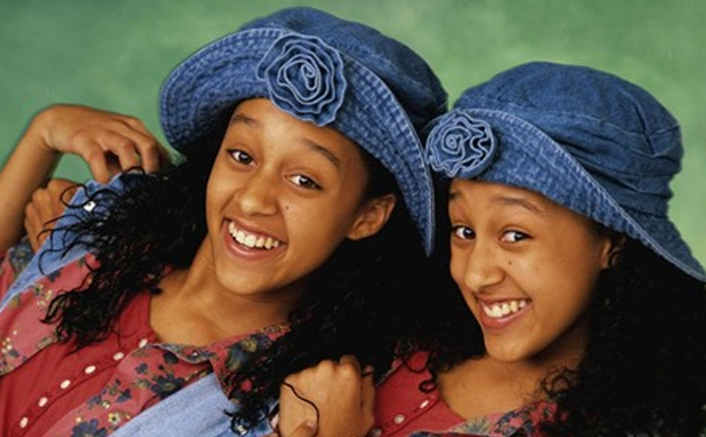 Black Sitcoms Like 'Moesha' & 'Sister, Sister' Among Others To Stream On Netflix Soon