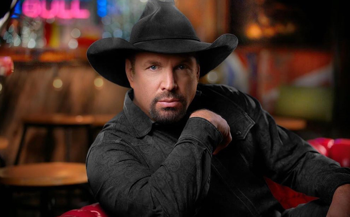 Garth Brooks Won't Run For CMA Entertainer Of The Year Henceforth & Here's What Fans Have To Say