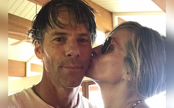 Julia Roberts, Danny Moder Celebrate 18 Years Of Togetherness With An Adorable Kiss!