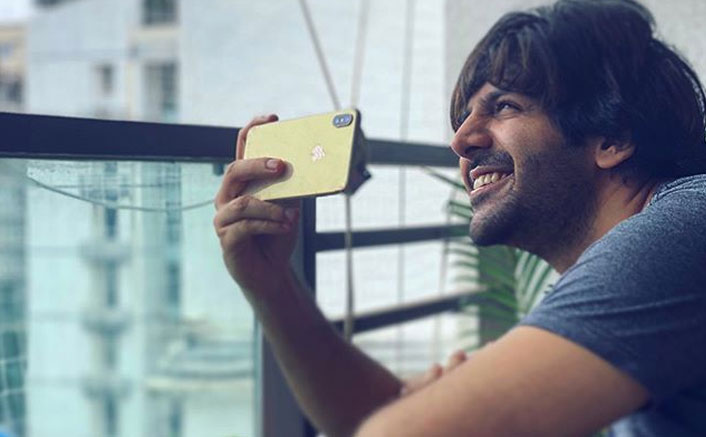 Kartik Aaryan Breaks His Ties With Mobile Brand 'Oppo' Because Of Its Chinese Connection?