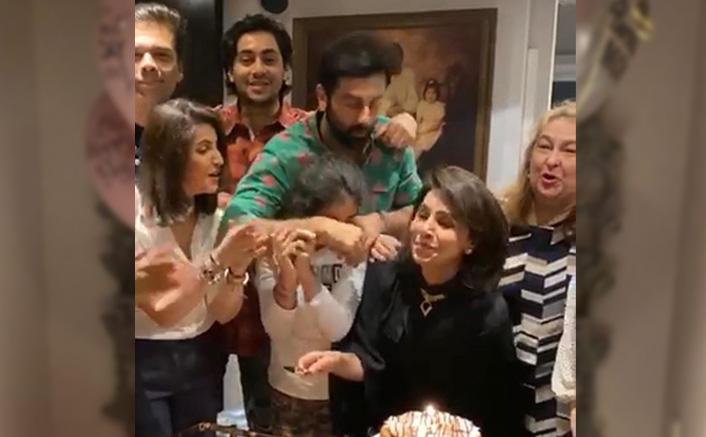 Ranbir Kapoor Gives A Warm Hug To Mom Neetu Kapoor On Her 62nd Birthday, Karan Johar Along With Others Joins The Celebrations