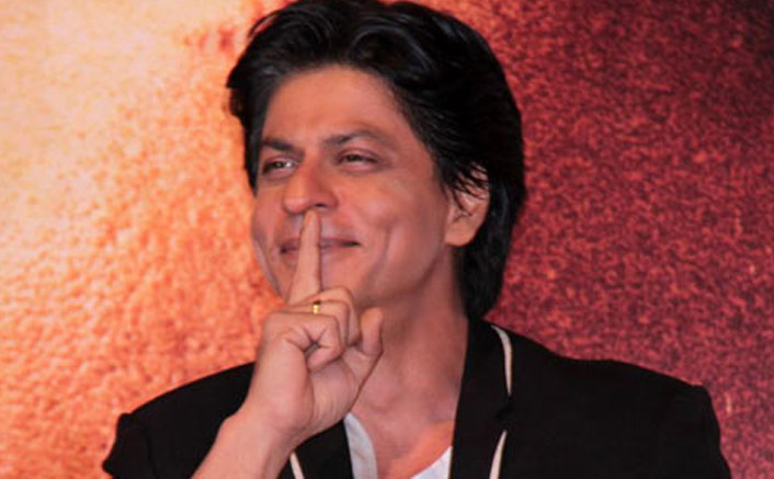 Shah Rukh Khan Is Out Of Work & He Isn't Ashamed Of Flaunting It!
