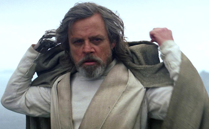 Star Wars: Mark Hamill's Luke Skywalker Looked Almost Like THIS In The Force Awakens & We Don't Understand Why He Didn't