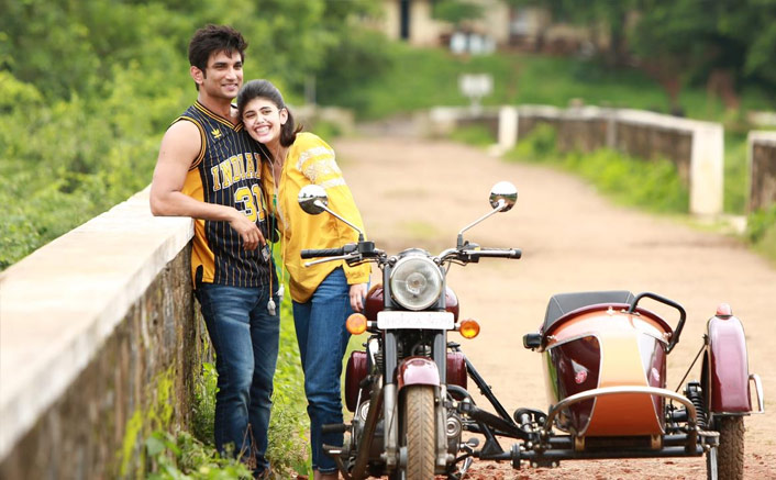 """The """"filmy"""" bike for Sushant Singh Rajput and Mukesh Chhabra in Dil Bechara"""