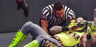 WWE: Rey Mysterio VS Seth Rollins' 'Eye For An Eye' Ending Had To With Rey's Contract Signing?
