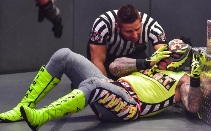 WWE: Rey Mysterio VS Seth Rollins' 'Eye For An Eye' Ending Had To Do With Former's Contract Signing?