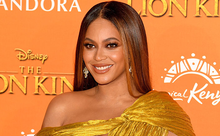 Beyonce Spotted ROCKING The Hamptons With Rumi In 'Queen Bey' Style